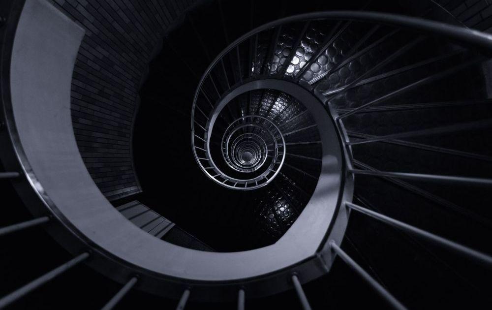 ORLEN i LOTOS budują schody…cenowe na wykresie. Przecena spółek paliwowych trwa w najlepsze