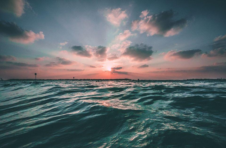 po dwóch stronach oceanu