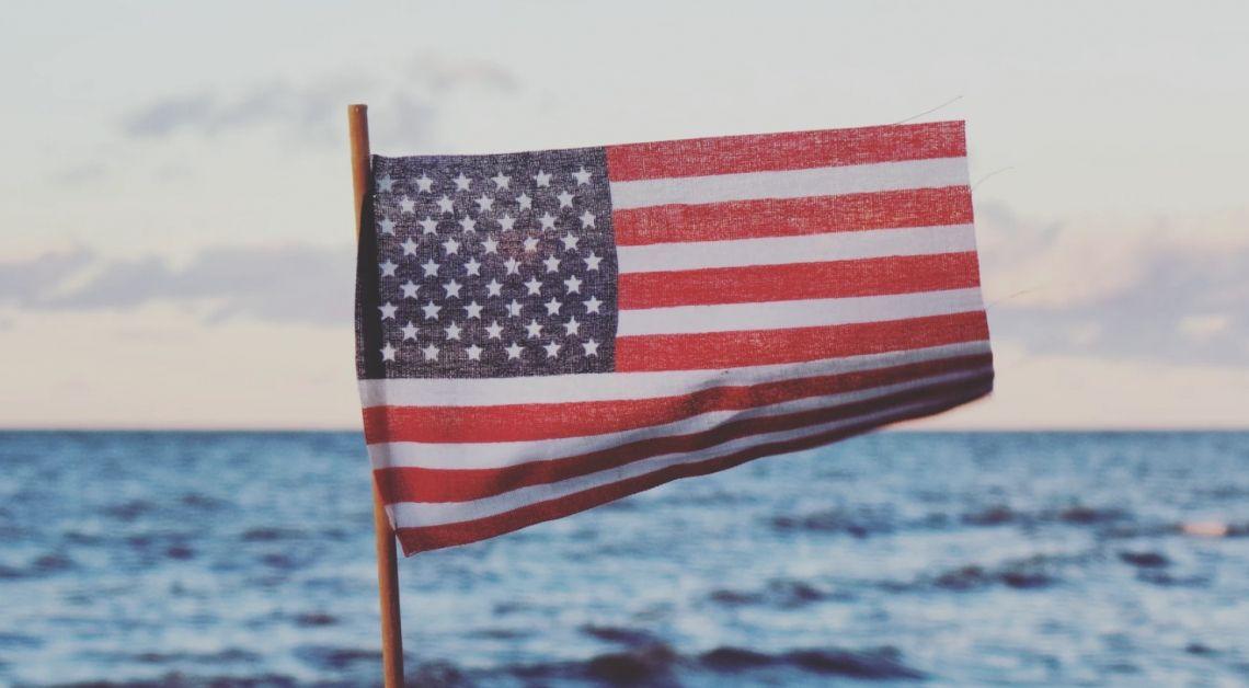 Polityka i wybory w USA hamują rosnący optymizm zamożnych inwestorów