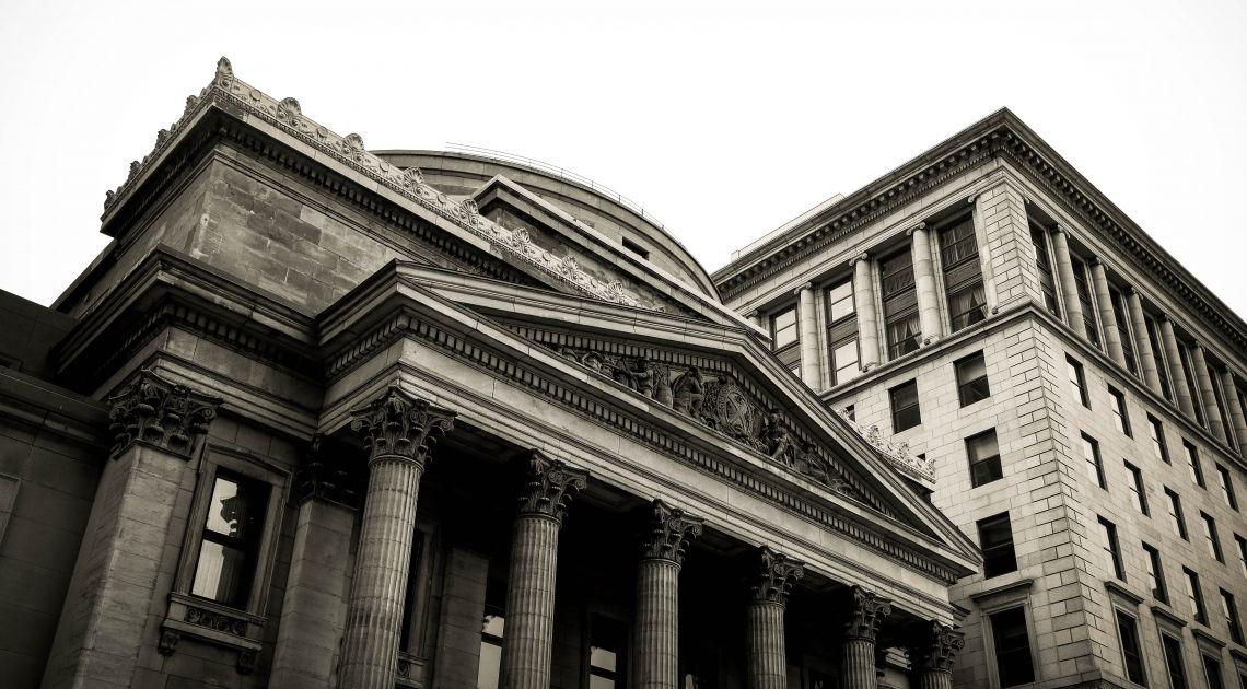 Polityka pieniężna realizowana przez banki centralne