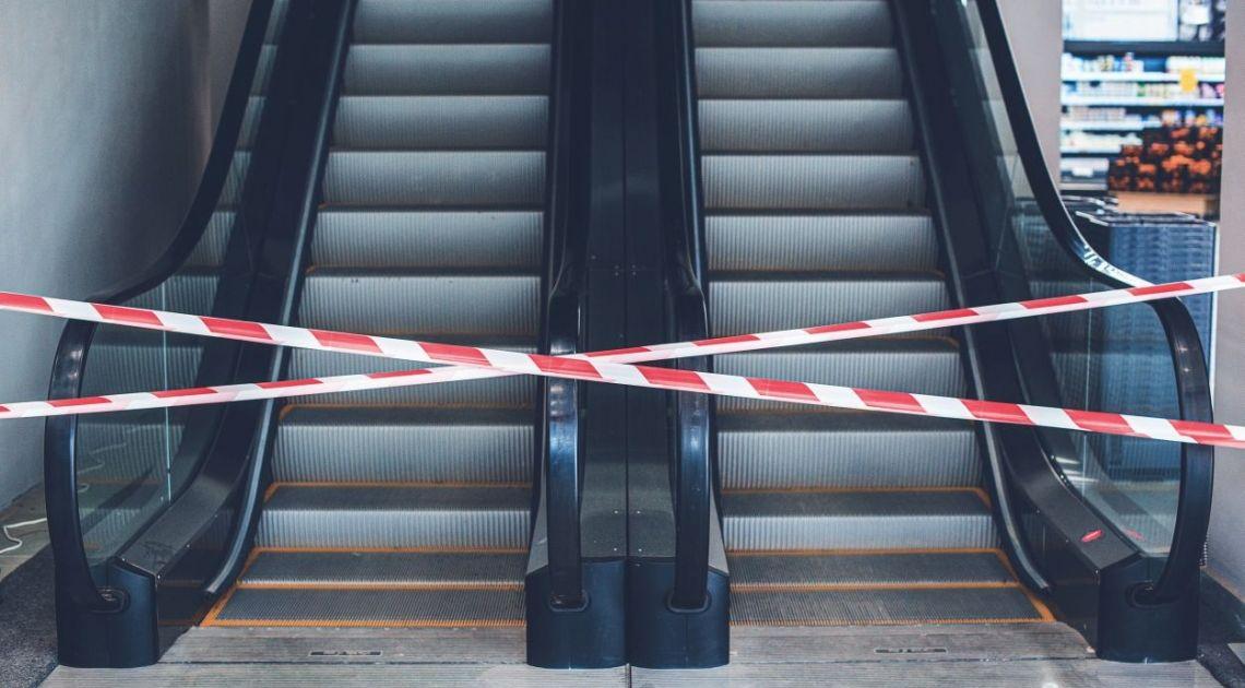 Polska w stanie zagrożenia epidemicznego. Zamknięte granice, centra handlowe a przed nami kolejny trudny poniedziałek dla warszawskiej giełdy