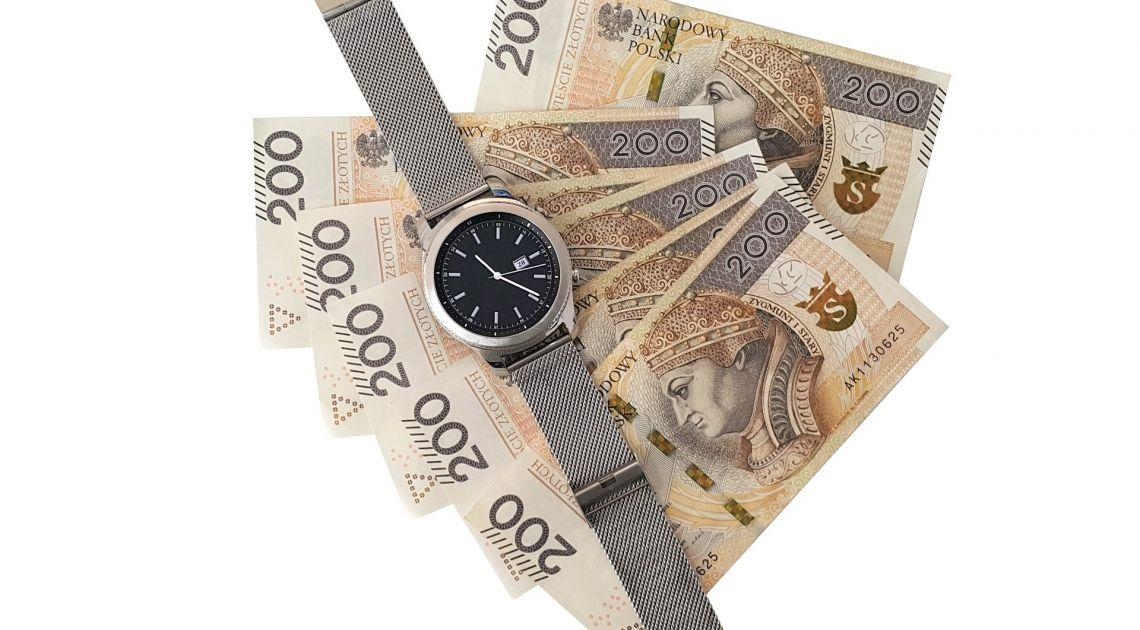 Polski złoty mocno traci na wartości. Czy to koniec spadków kursu funta, franka, euro i dolara?