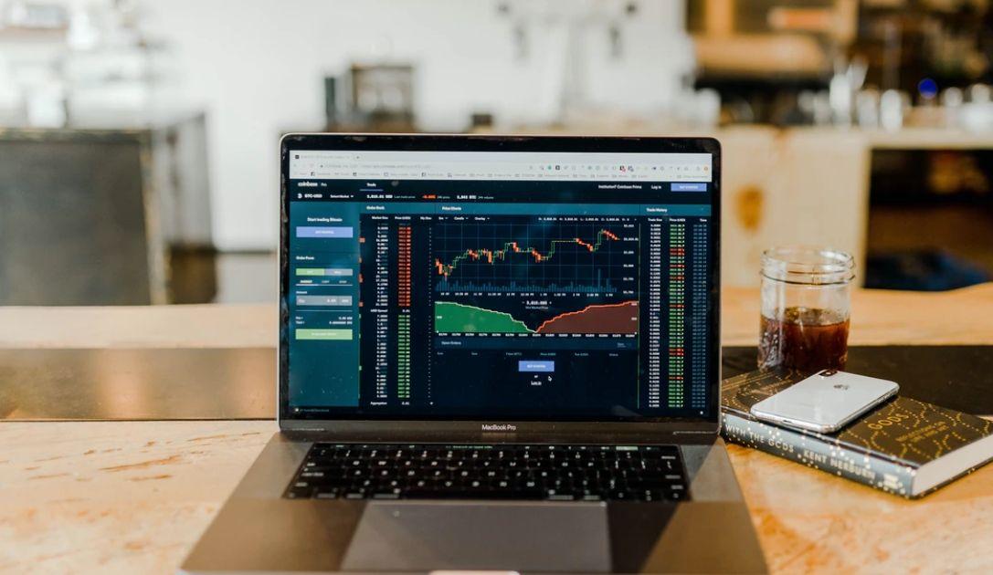 Popraw swój trading. Poznaj 7 narzędzi analizy technicznej