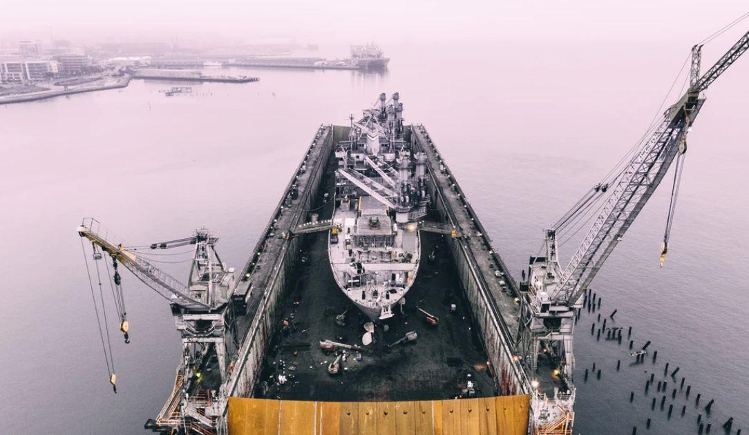 Poszukiwacze okazji na rynku ropy naftowej. Gwałtowna przecena srebra