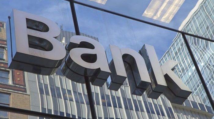Problemy sektora bankowego nie mają wiele wspólnego z pandemią, ich źródło leży m.in. w... NBP
