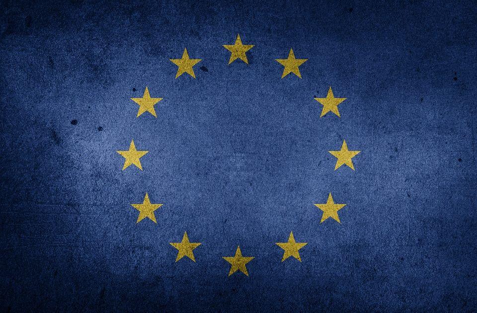 Publikacje Eurostatu i ZEW zatrzymały umocnienie euro