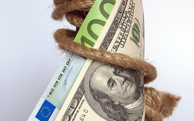 w oczekiwaniu na Yellen i Draghiego