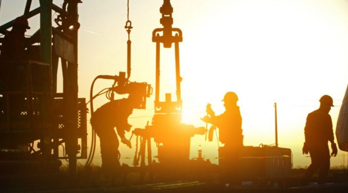Ropa pod presją słabego popytu. Ile dolarów kosztuje dzisiaj baryłka ropy WTI oraz Brent?