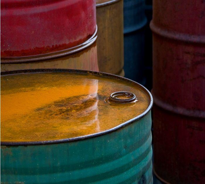 Rynki ropy rozgrywają spadkowe scenariusze