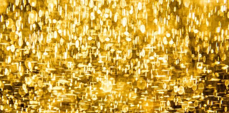 Siła złota rozprzestrzenia się na srebro i platynę