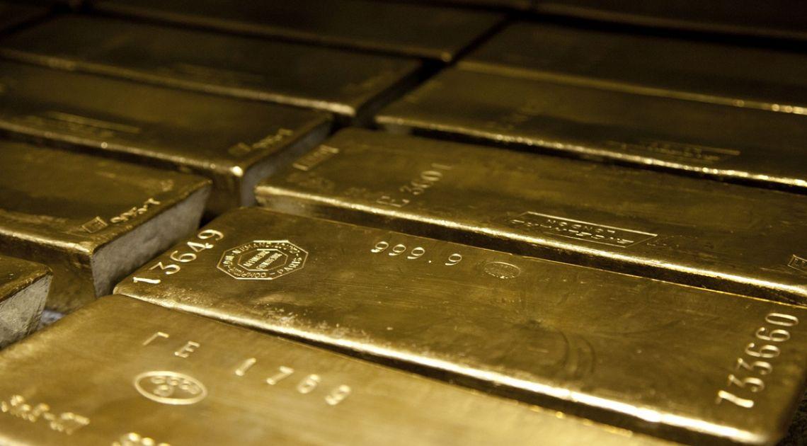Silne spadki na złocie