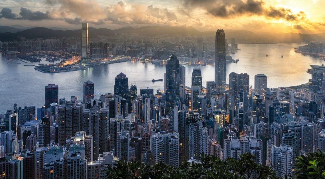 Spadki indeksów giełdowych. Indeks WIG20 w dół. Hong Kong powodem eskalacji napięć na linii USA-Chiny