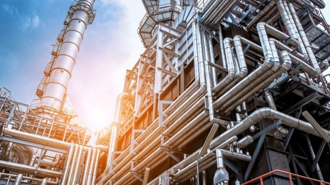 Spokojny początek tygodnia na rynku ropy naftowej. Ile dolarów kosztuje dziś ropa Brent oraz WTI?