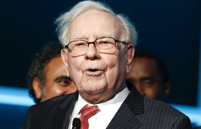 Spore spadki akcji Delta Airlines, American Airlines oraz United. Warren Buffett wyprzedaje akcje Berkshire Hathaway