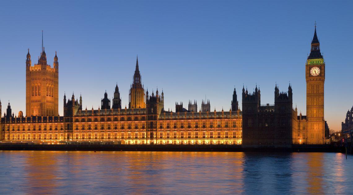 Status quo w brytyjskim parlamencie lepszy dla rynków