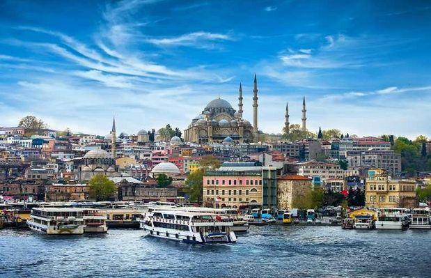 Turcy nie wierzą w lirę. Wielka ucieczka do dolara