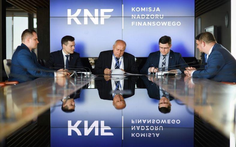 Urząd Komisji Nadzoru Finansowego KNF rozpoczyna współpracę z Centrum Badań nad Prawnymi Aspektami Technologii Blockchain