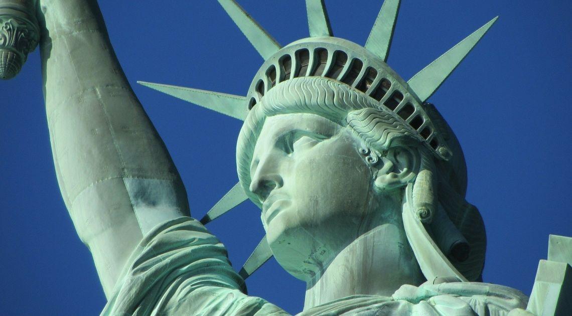 USA: PKB, zadeklarowani bezrobotni, zamówienia środków trwałych. Jak Stany Zjednoczone radzą sobie z kryzysem?