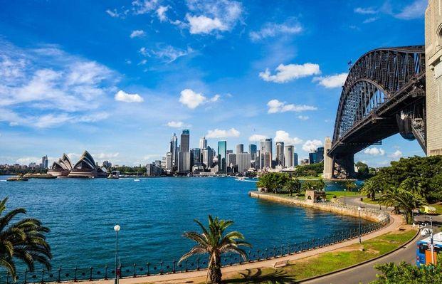 Waluty surowcowe - najmocniejszy dolar nowozelandzki, za nim dolar australijski. Na rynkach wschodzących najsłabsze meksykańskie peso.