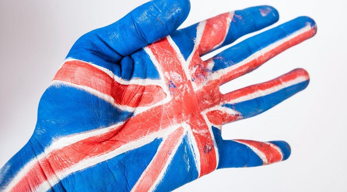 Wielka Brytania otwiera szkoły i rynki. Są nowe przepisy