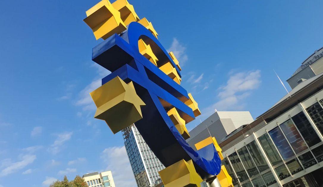 Zamęt na kursie euro do dolara (EUR/USD). Waluta amerykańska w górę względem jena. Szukając punktu zaczepienia