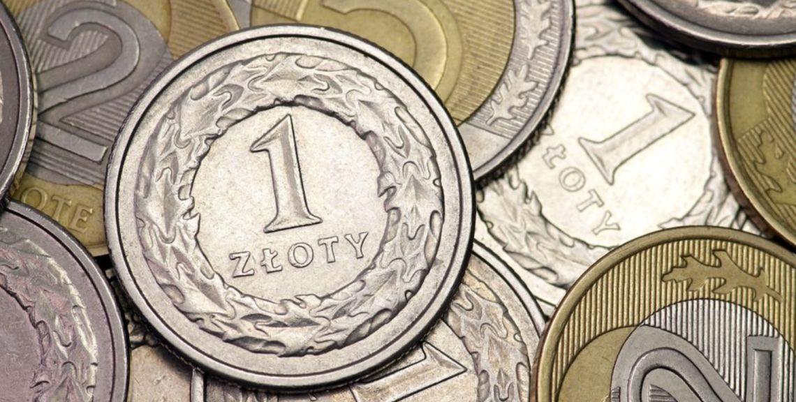Złoty korzysta ze słabszego dolara. Kurs USD/PLN przy 3,70 zł. Euro po 4,41 PLN