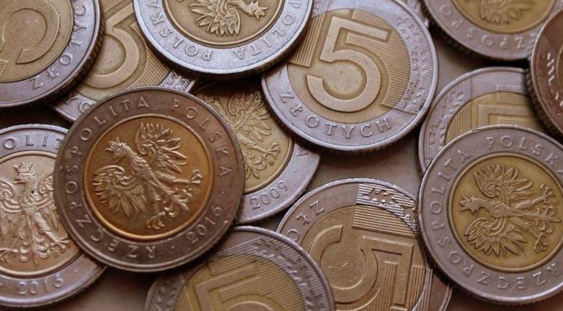 Złoty najsłabszy do euro od kwietnia. Dolar po 3,93 zł. Funt nad 5,05 PLN. Kursy walut na rynku Forex