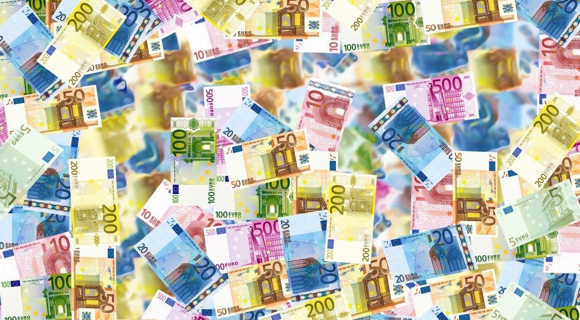Znamy stopy procentowe w Strefie Euro. Kurs euro EUR/USD traci na wartości. Kolejne 600 mld euro pojawi się na rynku. Czy decyzja EBC pomoże euro?
