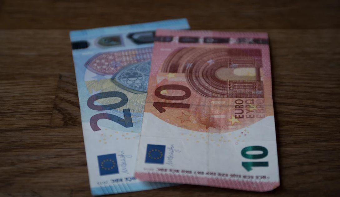 Zwyżki kursu euro względem funta (EUR/GBP). Wzrost zachorowań wraz z ponownym otwarciem gospodarek, PMI w centrum uwagi