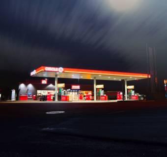 Cena ropy w Polsce wyższa niż w 20 unijnych krajach - sprawdź porównanie cen w Europie