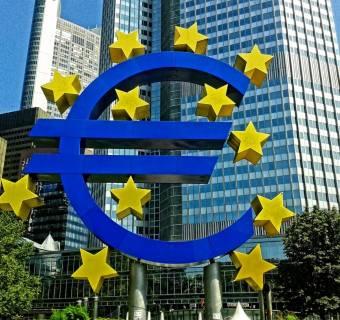 Kurs EUR/USD rośnie po decyzji w sprawie stóp procentowych w Strefie Euro