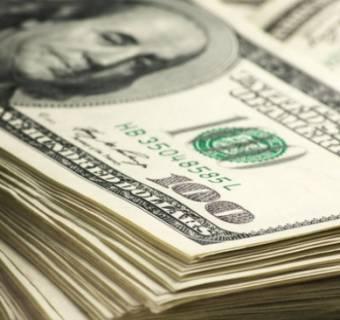 Kursy walut dolara funta euro i franka o poranku. Dolar prawie po 3,80! Funt i euro tez w górę