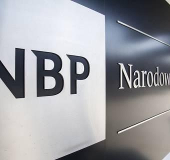 Obniżka stóp procentowych była złą decyzją, osłabiającą kurs polskiego złotego. Członek RPP krytykuje działania NBP