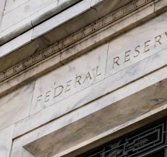 Tego jeszcze nie było! Fed znowu tnie stopy procentowe i zaczyna pompowanie miliardów dolarów, aby ratować gospodarkę przed koronawirusem