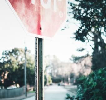 Trailing stop - nietypowe zlecenie zabezpieczające typu Stop loss. Czym jest i jak stosować trailing stop na forex i giełdzie?