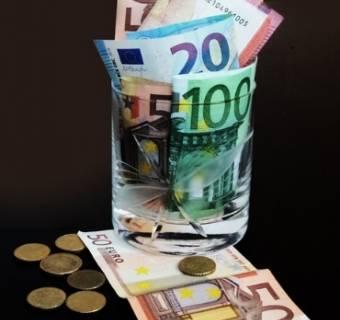 Ucieczka inwestorów za granice - przyczyną ESMA
