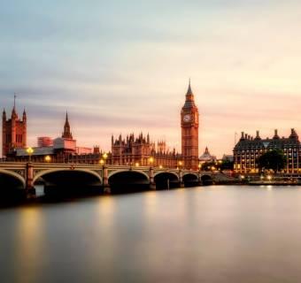 Wskaźnik PMI dla usług z Wielkiej Brytanii. Kurs funta (GBP/USD) do góry